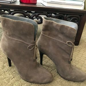 Banana Republic Suede Ankle Boot Size 9